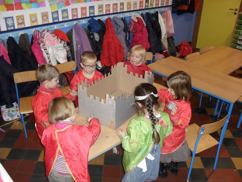 Atelier n°5: Réalisation d'un château fort pour la classe.