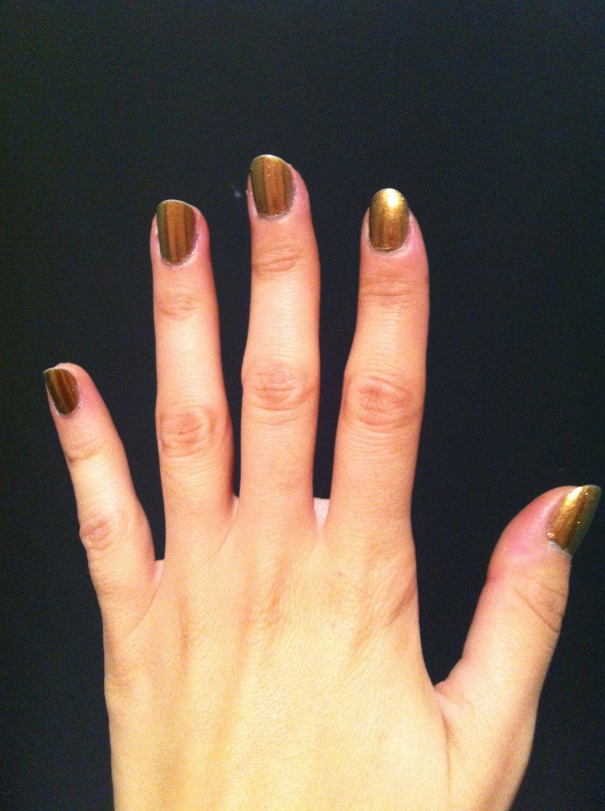 flormar DC02 duochrome doré/vert et nail art liner
