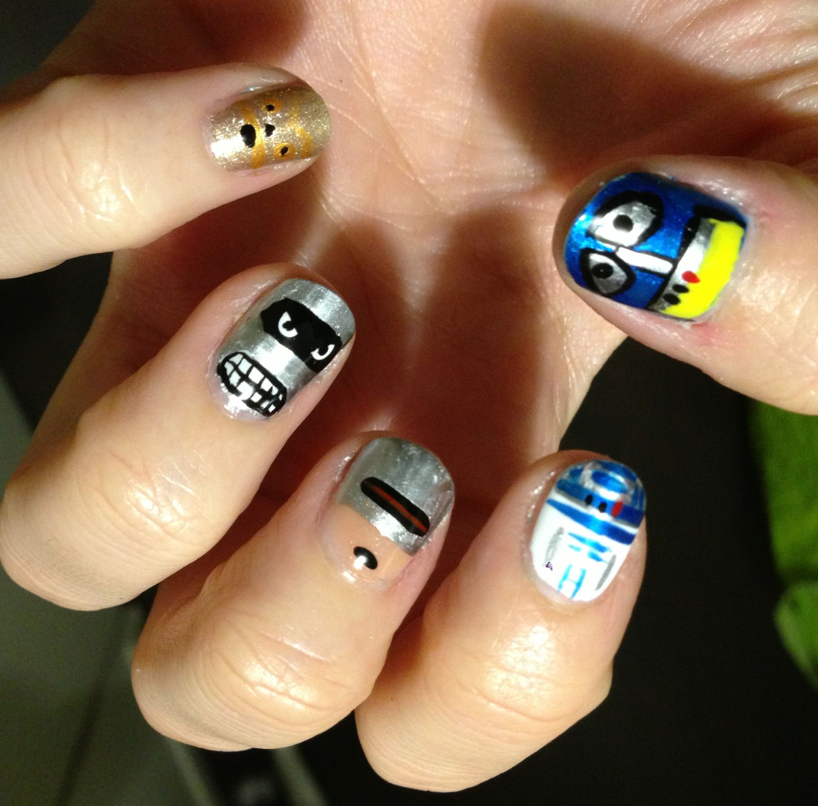 nailstorming we are robots !