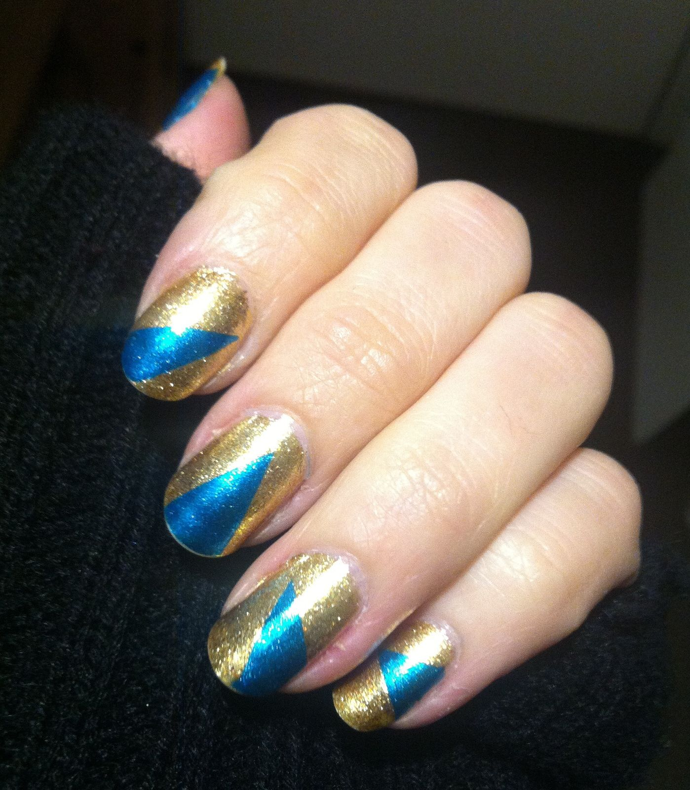 -tuto inside- china glaze mingle with kringle et sa deco so blue without you