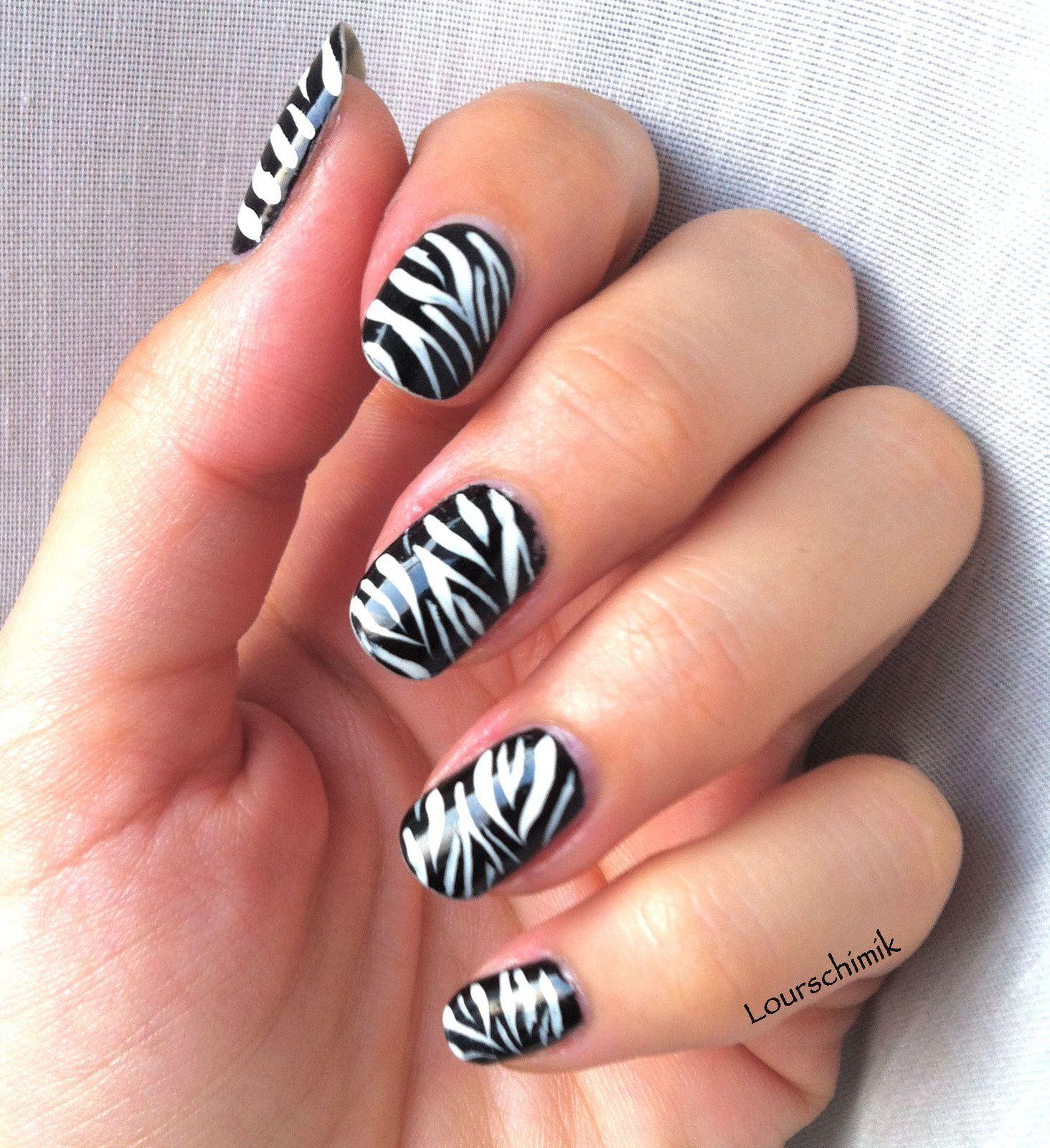 zebra nail - le nail art le plus facile du monde !