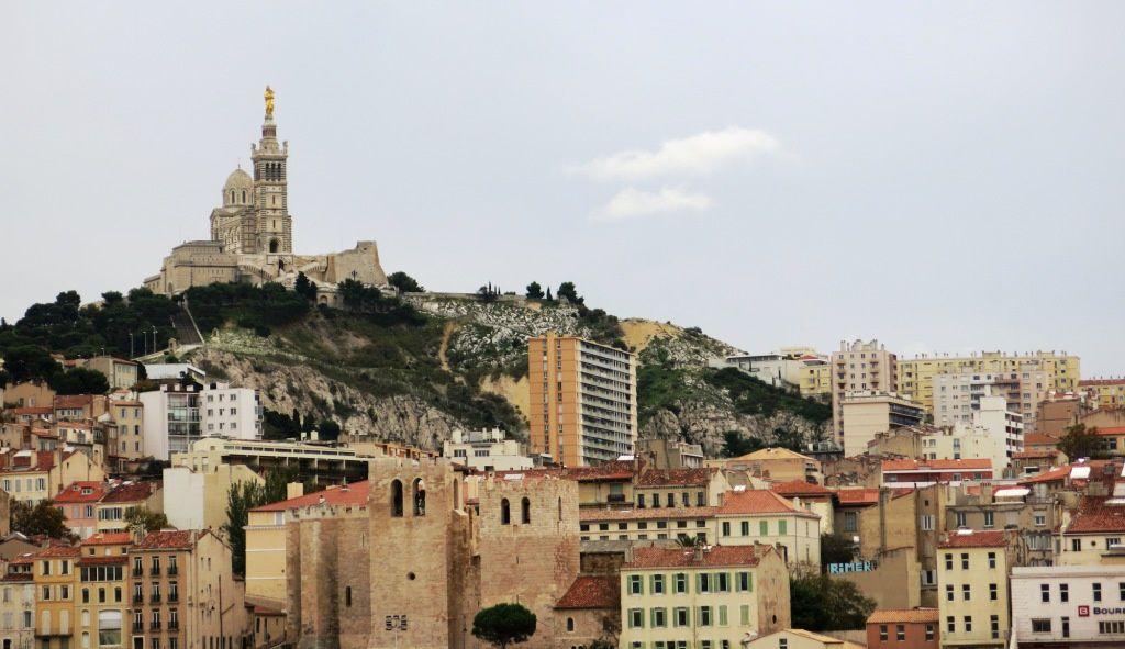Ahhh Marseille et Notre-Dame de la Garde qui veille sur les Marseillais
