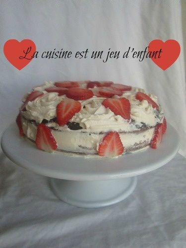 Gâteau au chocolat et aux fraises a la crème