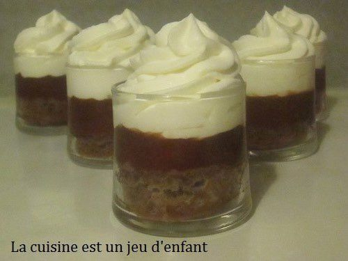 Verrines au chocolat et à la chantilly