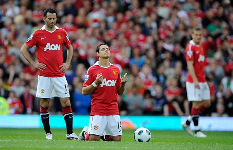 Javier Hernandez ou celui qui prie sur de la pelouse.