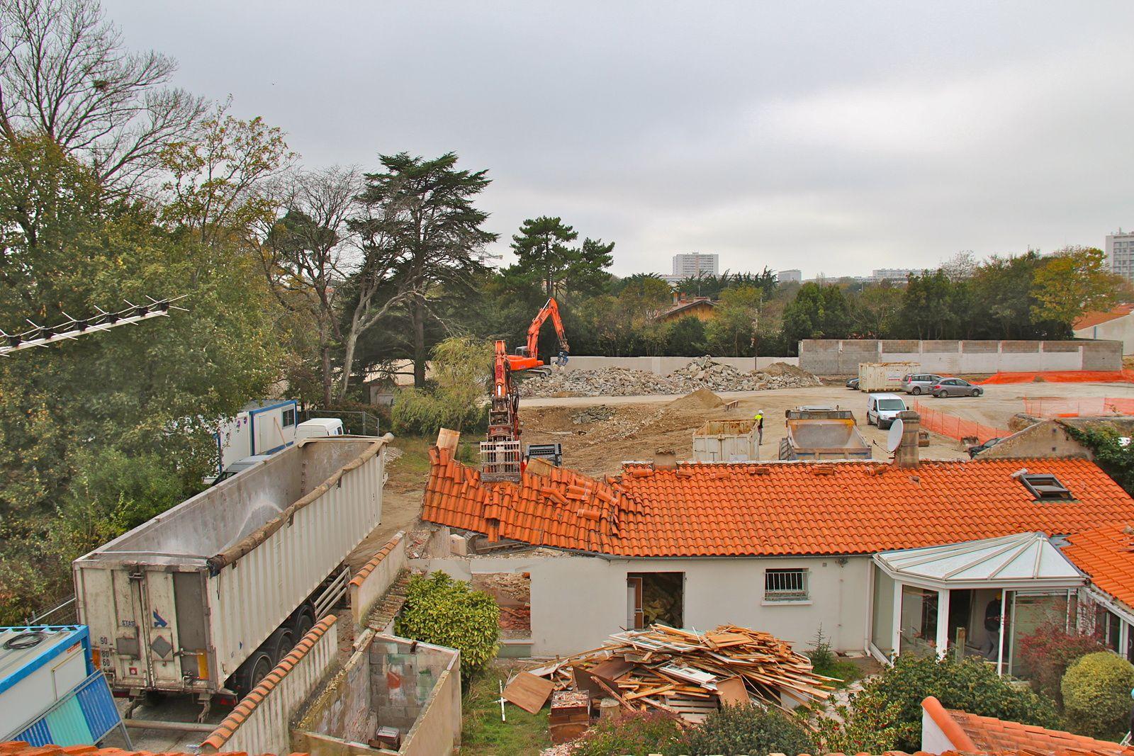 Le grand angle et le téléobjectif ont capturé quelques images qui illustrent l'ampleur du chantier Pichet. A suivre...