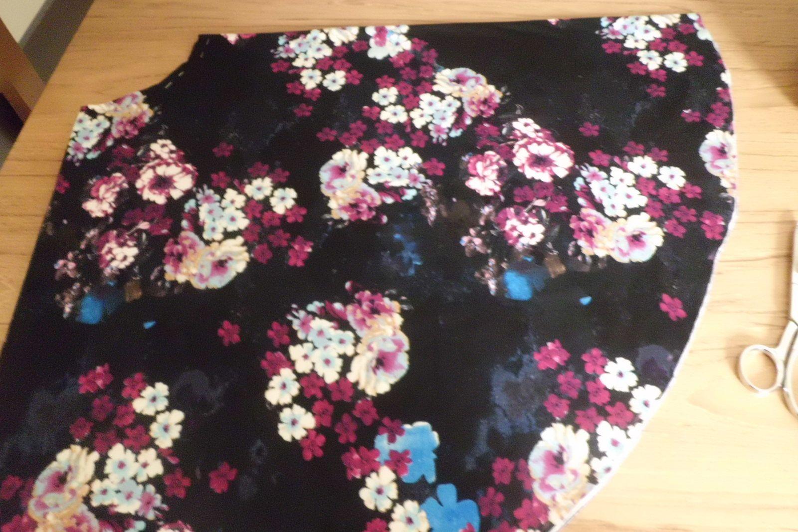 Le cas de la robe à fleur / The flower print dress case