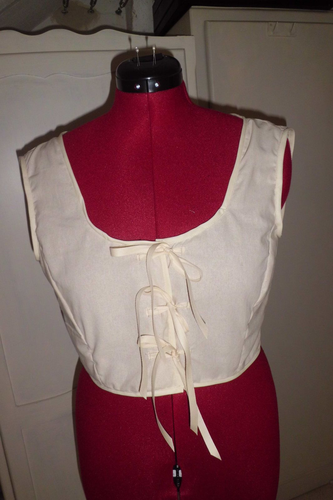 """Le cache-corset """"nu"""" sans aucune broderie / The camisole """"naked"""" without any embroidery"""