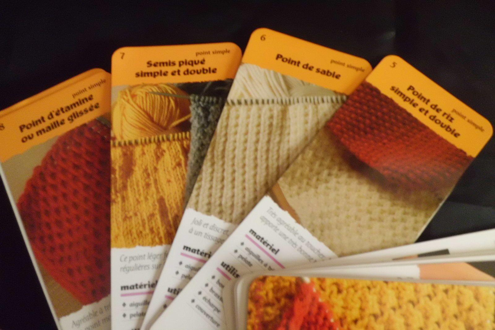 Petits Livres Utiles: Points de tricot / Little Usefull Books: Points de tricot