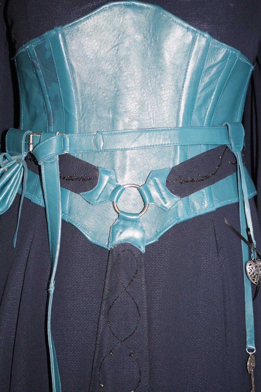 Trolls et légendes 2015: La ceinture et ses accessoires / The belt and accessories