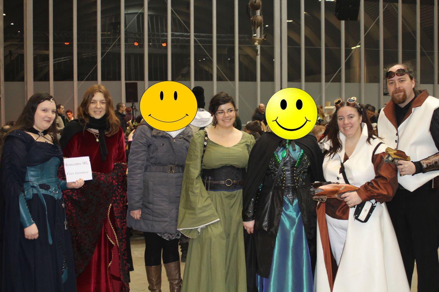La photo de groupe de la rencontre du forum! Merci d'être venues les filles! /   Group photo of the meeting of the forum!  Thank you for coming girls!