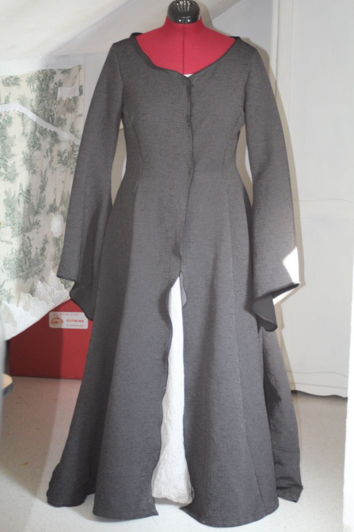 Halloween 2015 : Lady Coeur-de-Pierre (Game of Thrones): La robe-manteau / Lady Stoneheart (Game of Thrones): The gown