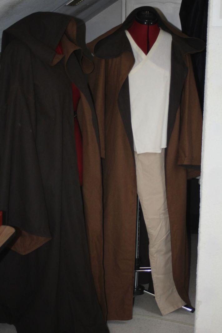 Les deux bures ensemble / The two robes together