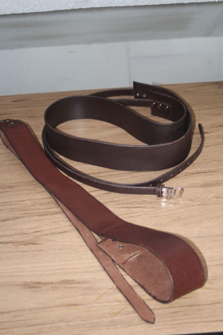 Nos deux ceintures! Celle de mon homme est plus sombre! / Our two belts! The one for my man is darker than mine!