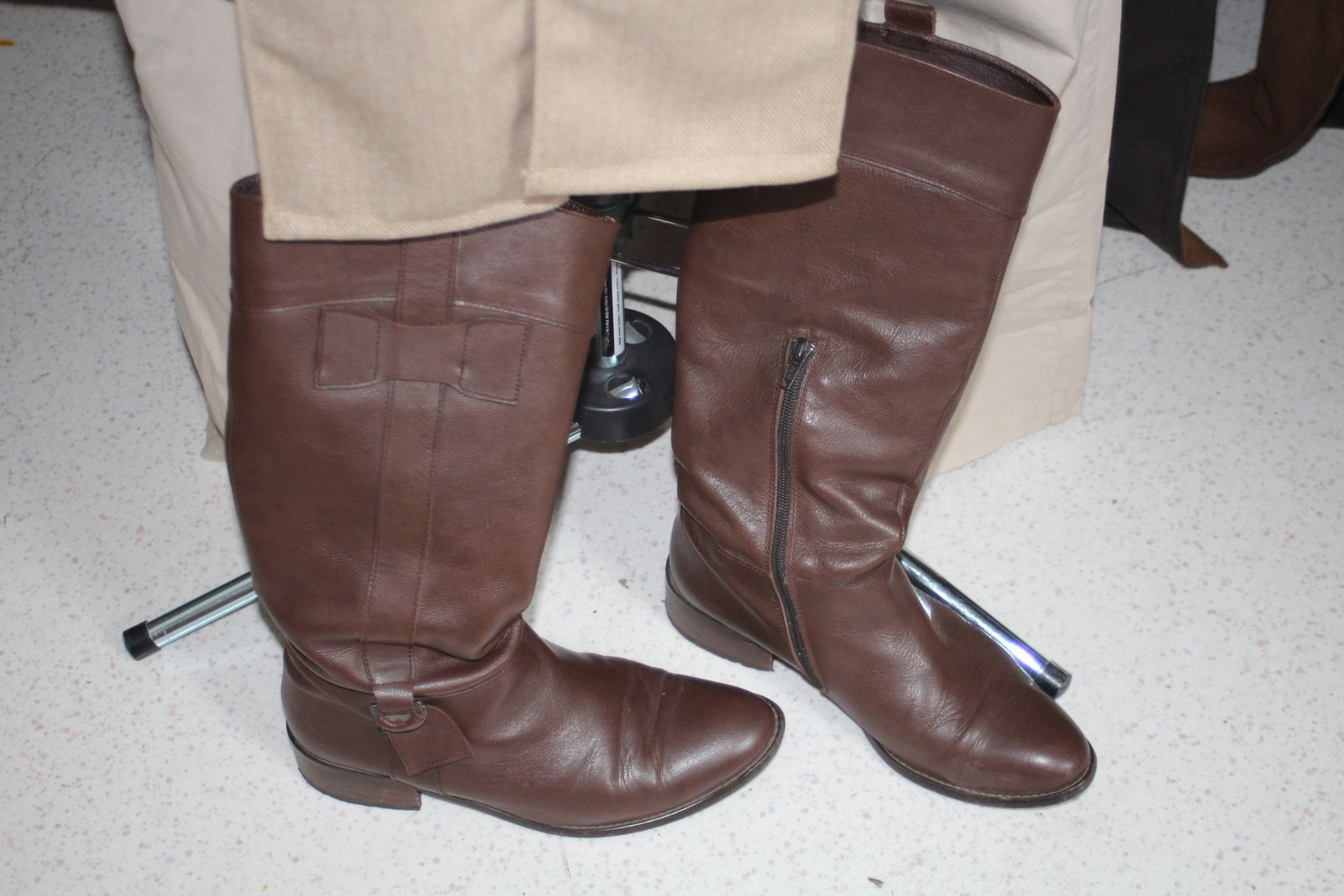 Mes bottes! / My boots!