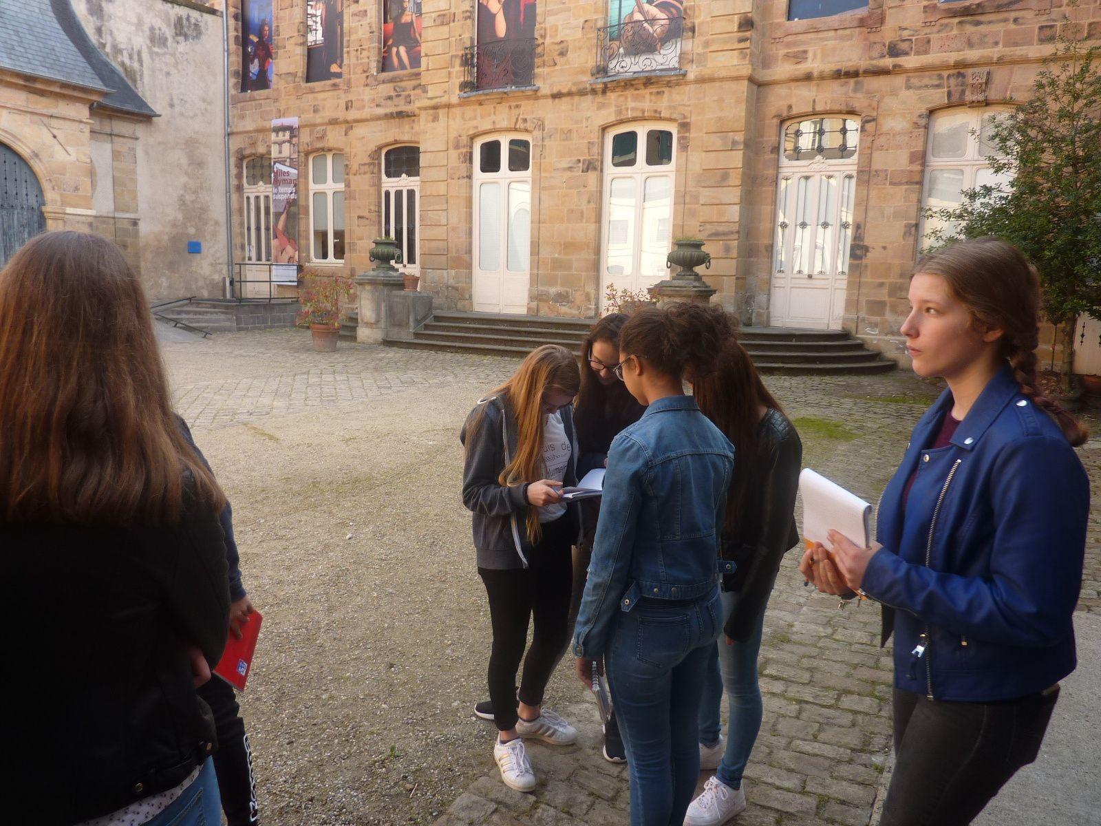 Les élèves découvrent l'expo Miles HYMAN au MIJE à Moulins