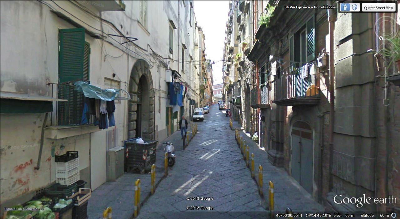 via Egiziaca a Pizzofalcone