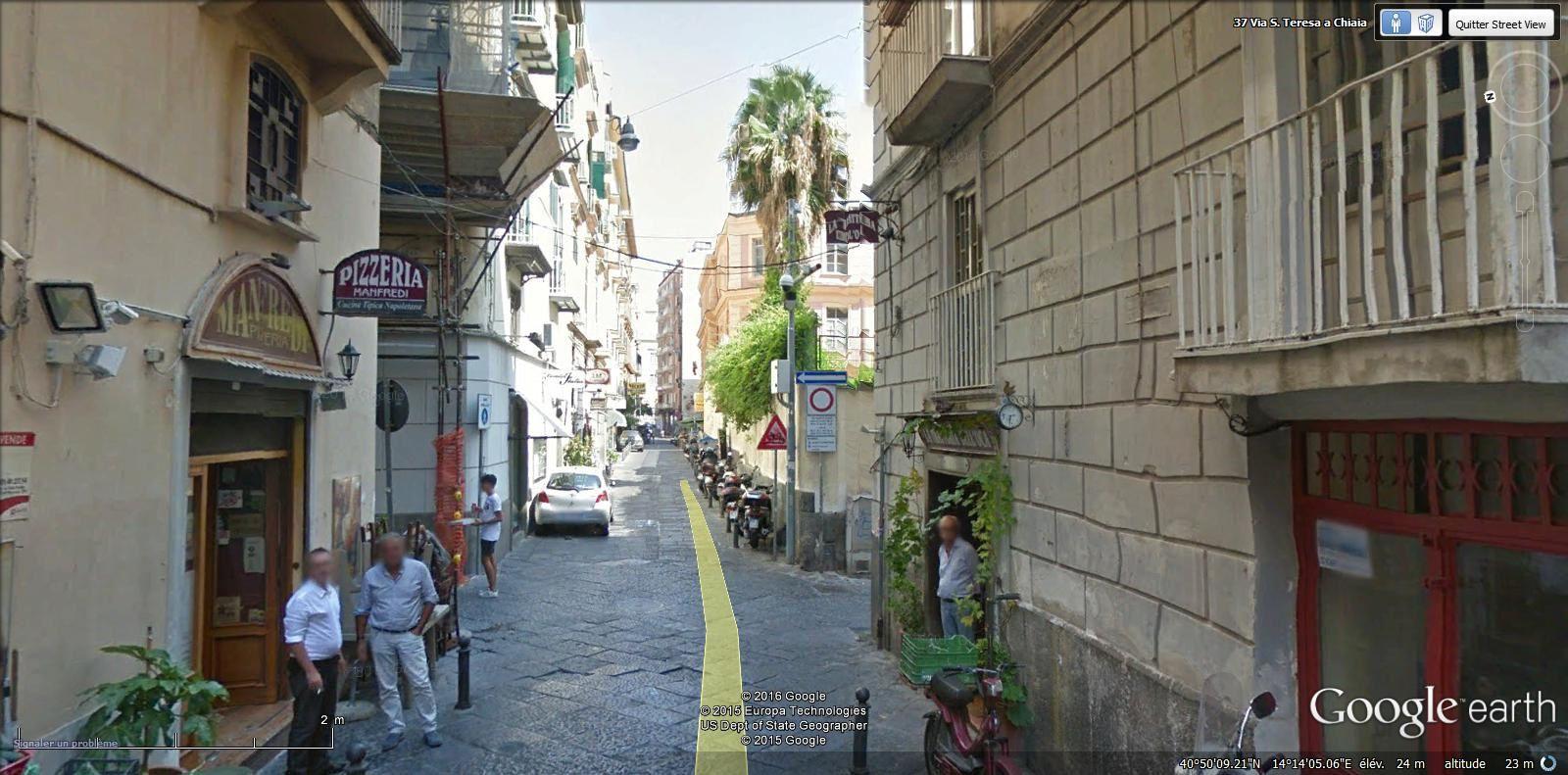 via Santa Teresa a Chiaia