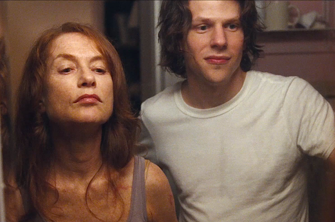 Isabelle Huppert et Jesse Eisenberg. Source image : indiewire