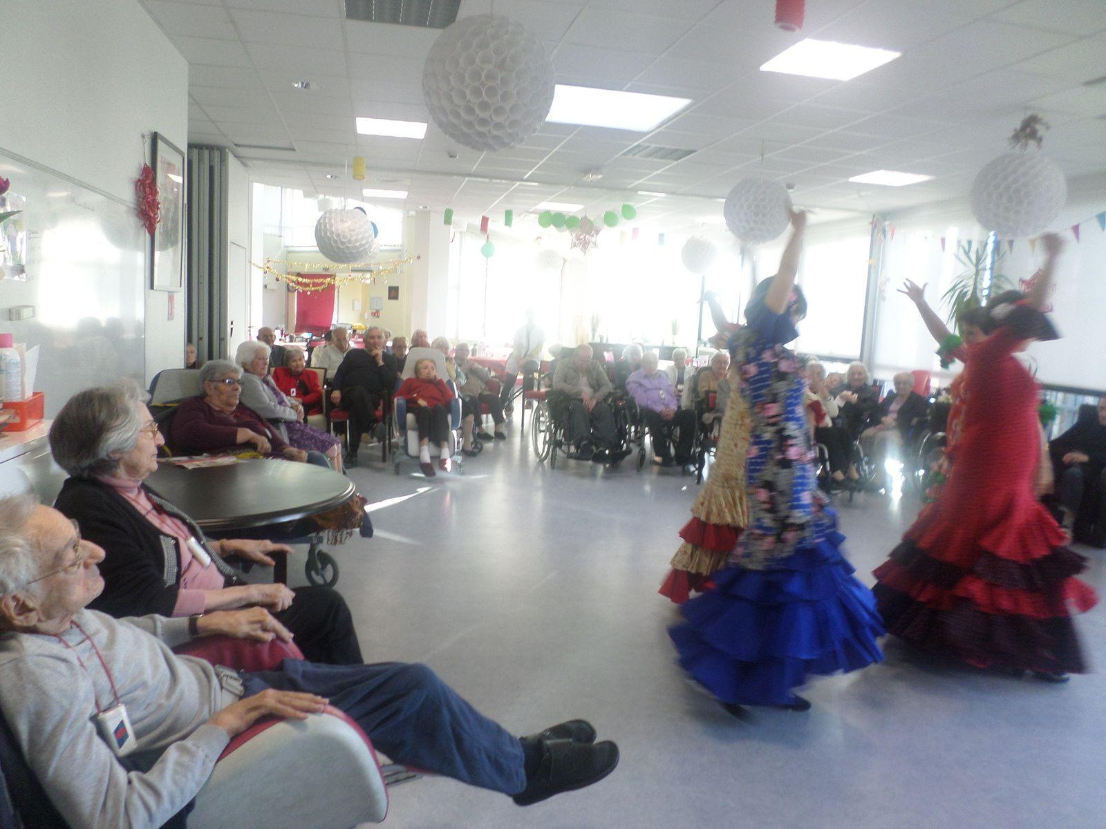 Danse espagnole &quot&#x3B;Danses Sevillanes&quot&#x3B;