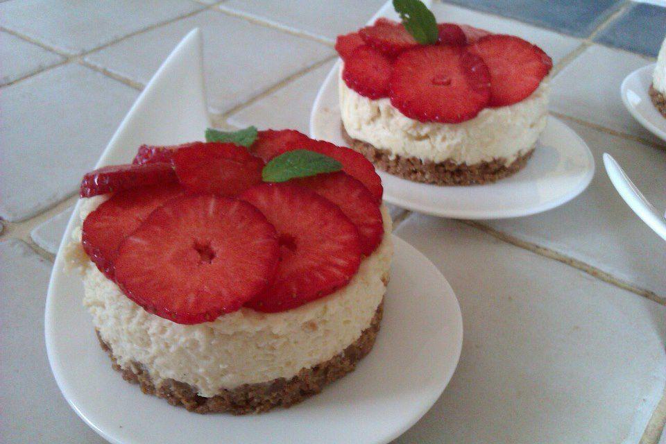 Mousses à la vanille, croquant de spéculoos et ses fraises