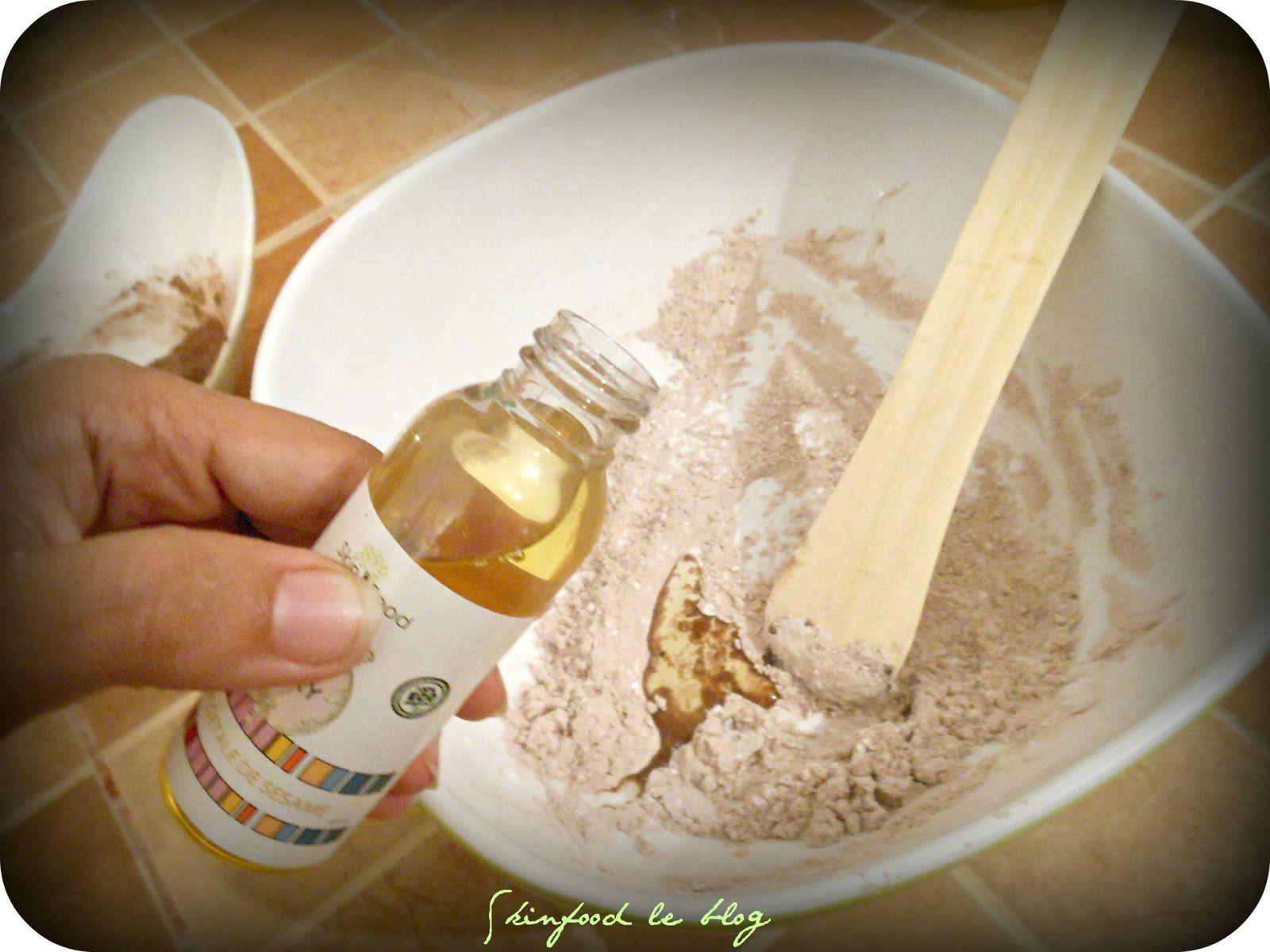 Ajouter l'huile de sésame