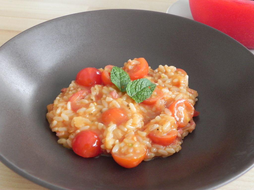 Risotto à la tomate cerise et à la menthe