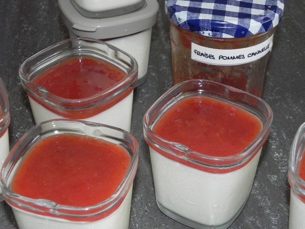 Yaourt à la confiture de fraises et pommes à la cannelle