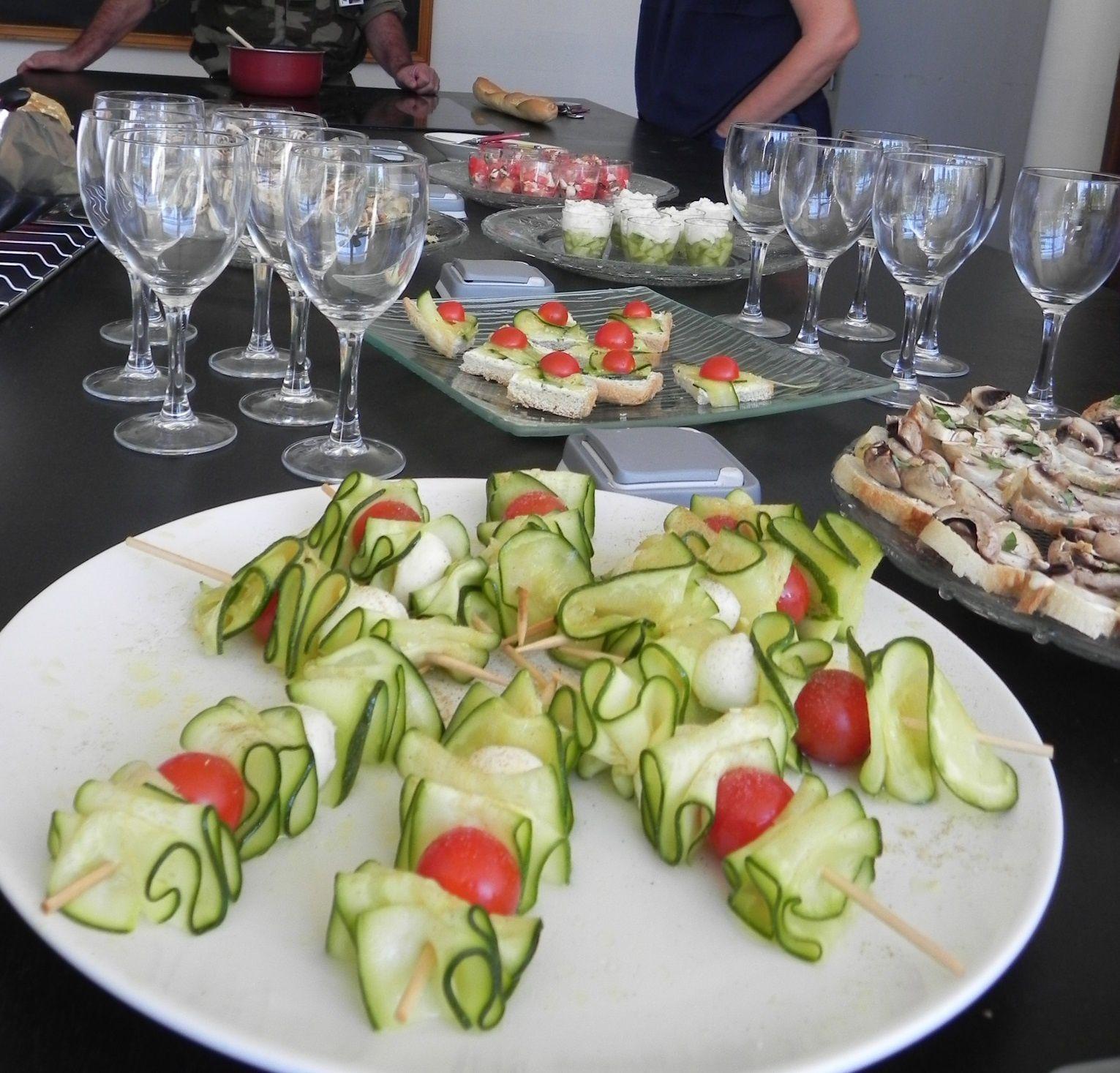Brochettes de courgettes mozzarella et tomates cerises