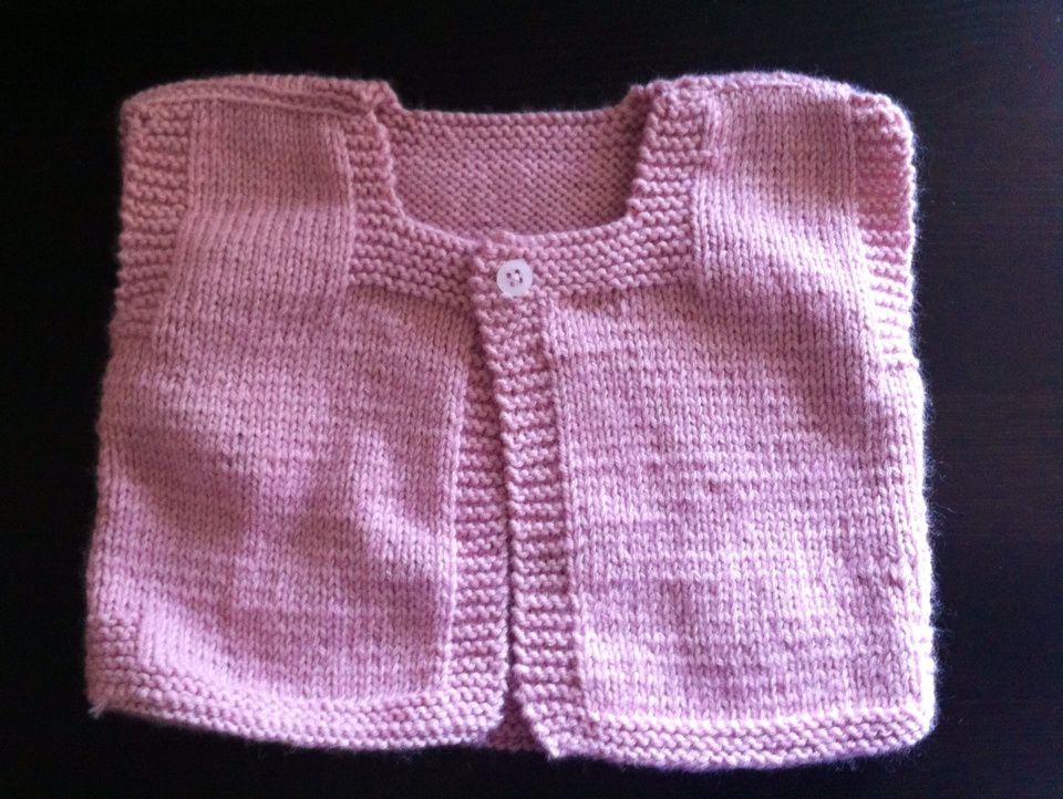 Petit gilet rose sans manche by Phildar !