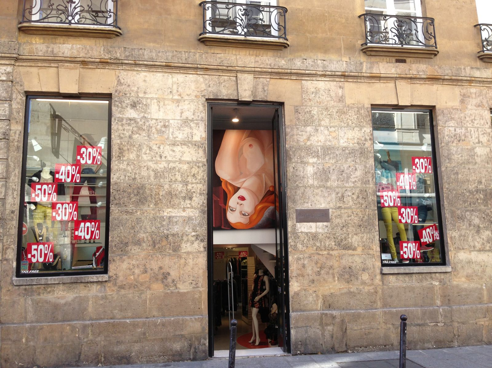Boutique de mode originale rue Saint-André-des-Arts.