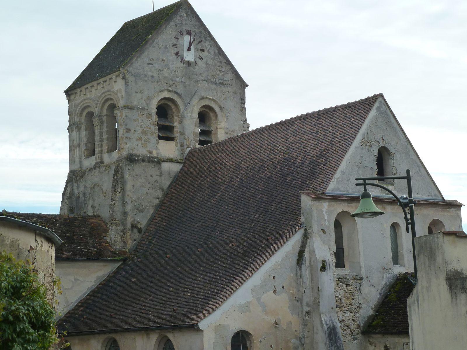 Saint-Quiriace, (évêque martyr) Au XVIIIème siècle le terrain sur lequel l'église est construite appartient au Duc de Montmorency qui est le seigneur d'une partie de la paroisse.