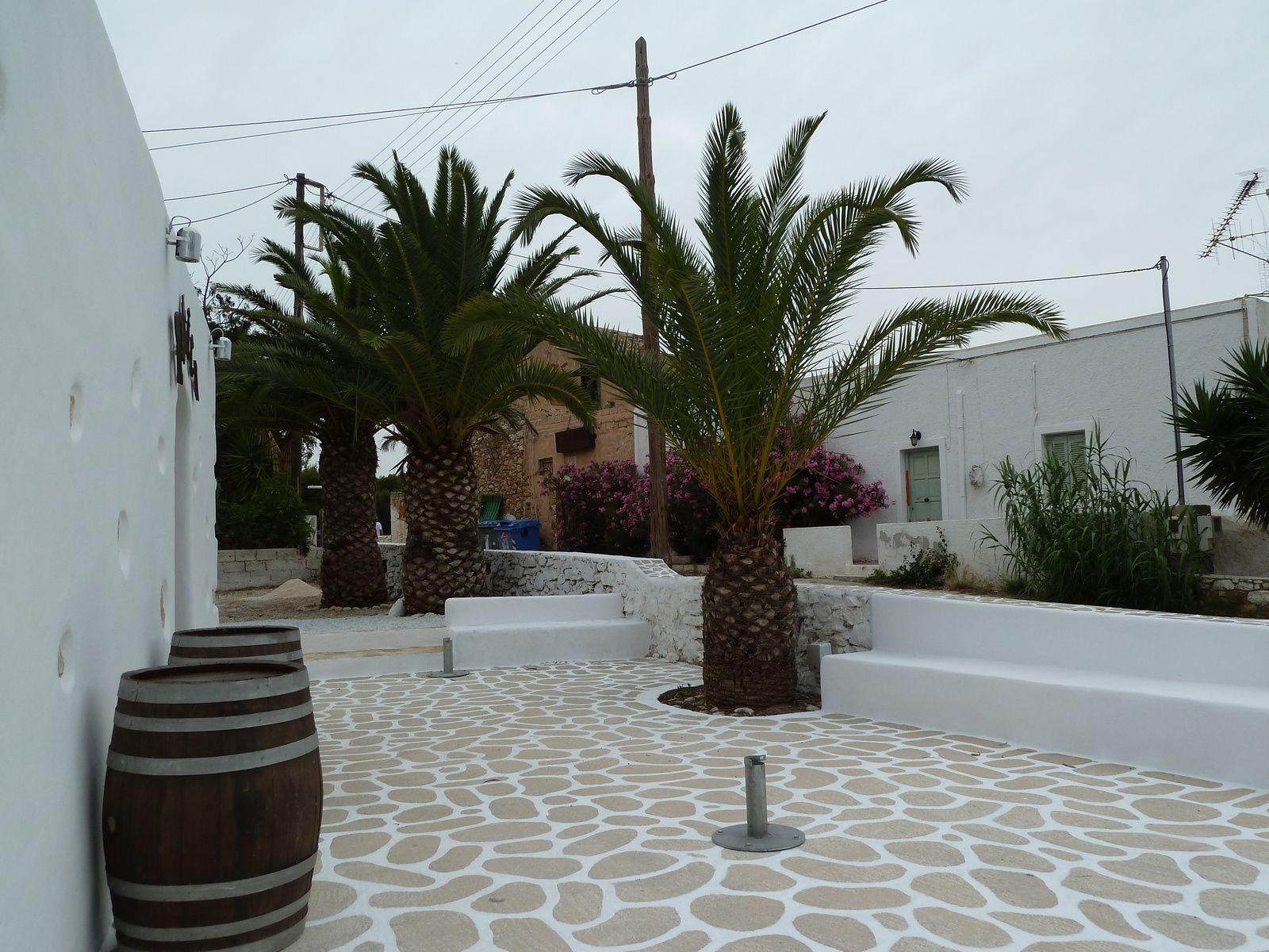Visite rapide du village quasiment désert, le temps commence à se gâter....
