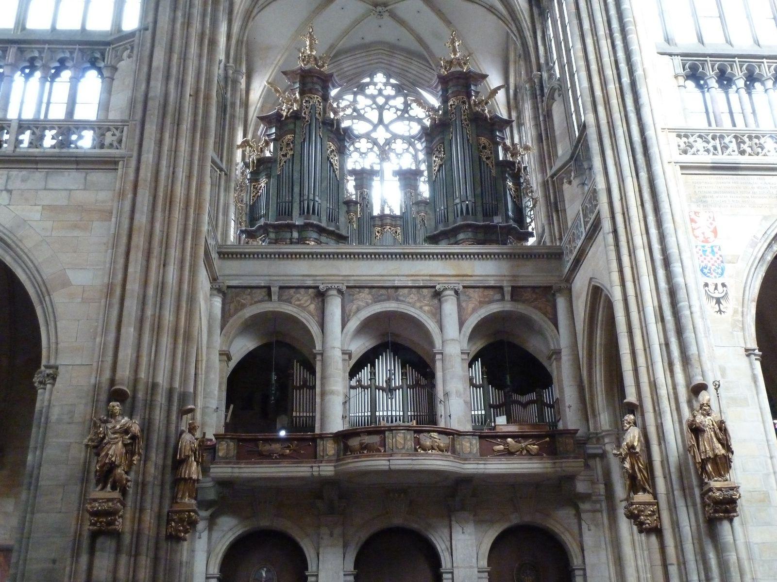 Le Grand Orgue de 1765 (Antonin Gartner), revu en 1932 (orgue neuf, buffet conservé par Antonin Melzer) et restauré en 2001 par Kánsky & Brachtl (la partie instrumentale contient encore des tuyaux de 1765).