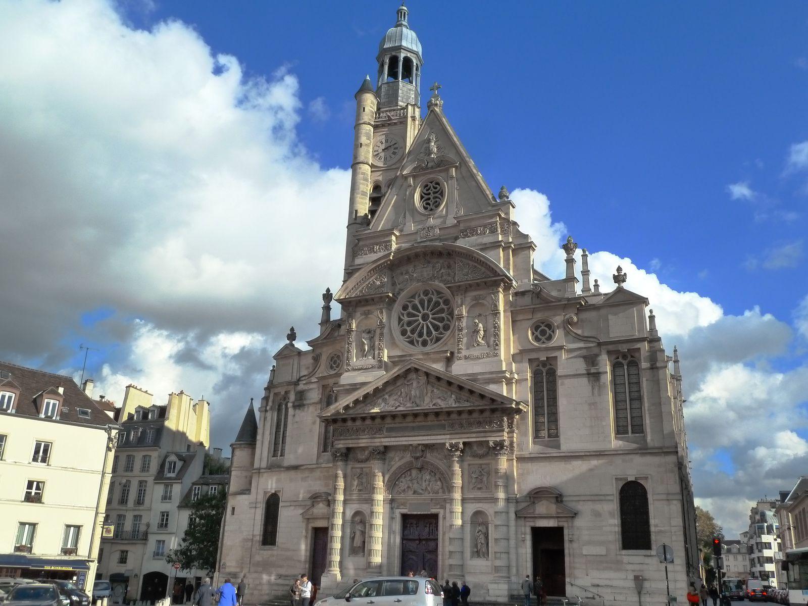 Eglise Saint-Etienne-du-Mont sur la montagne Sainte-Geneviève.