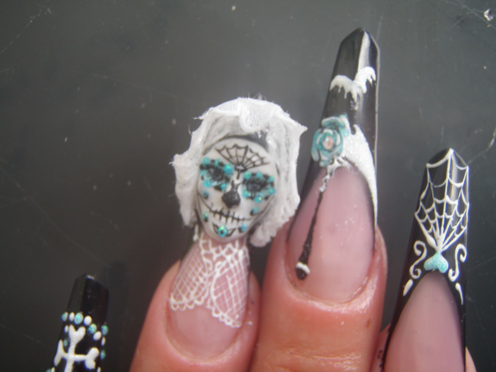 Pose diagone  et masque&quot&#x3B;Santa Muerte&quot&#x3B;100%gel