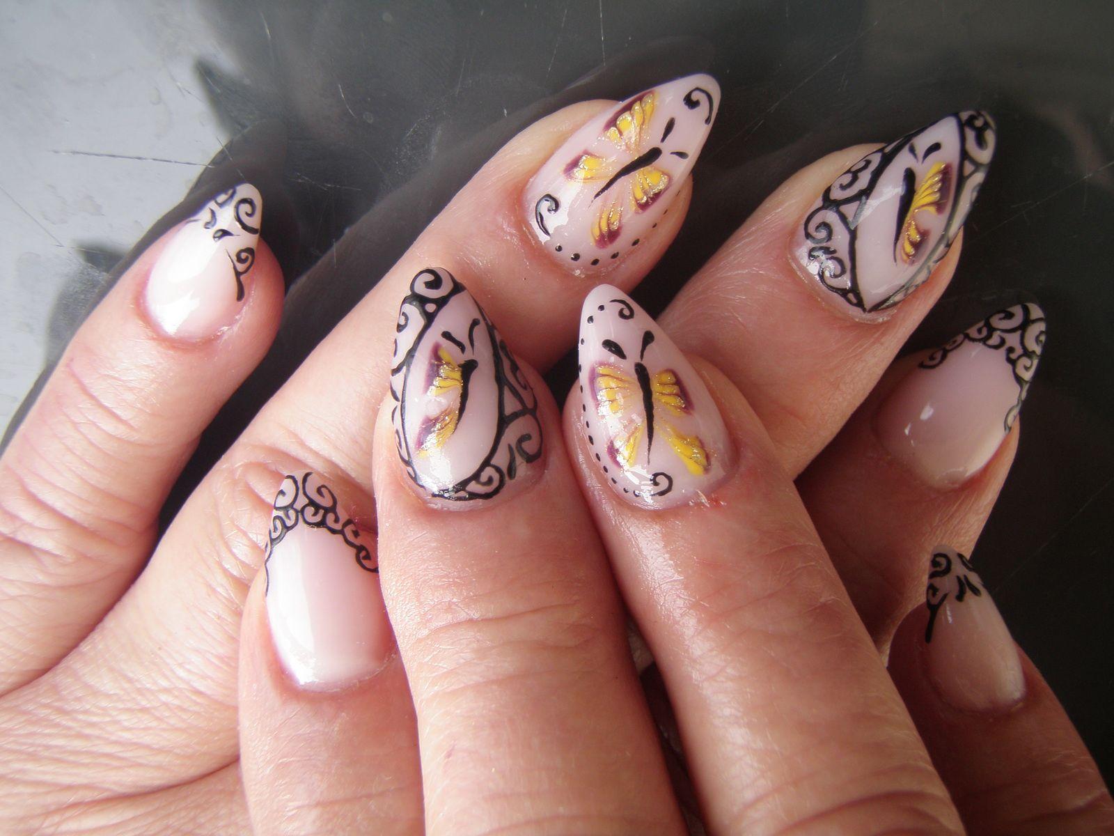 Papillons et arabesques