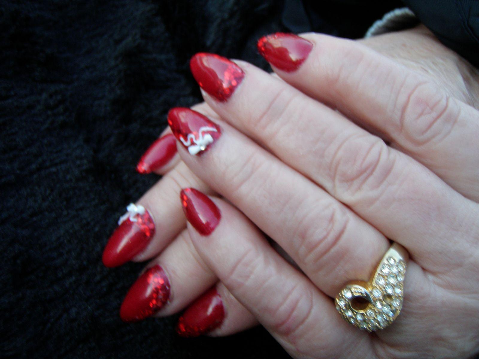 Pose festive noeud 3d avec&quot&#x3B;Old red&quot&#x3B;Onglemod et mix paillettes rouges