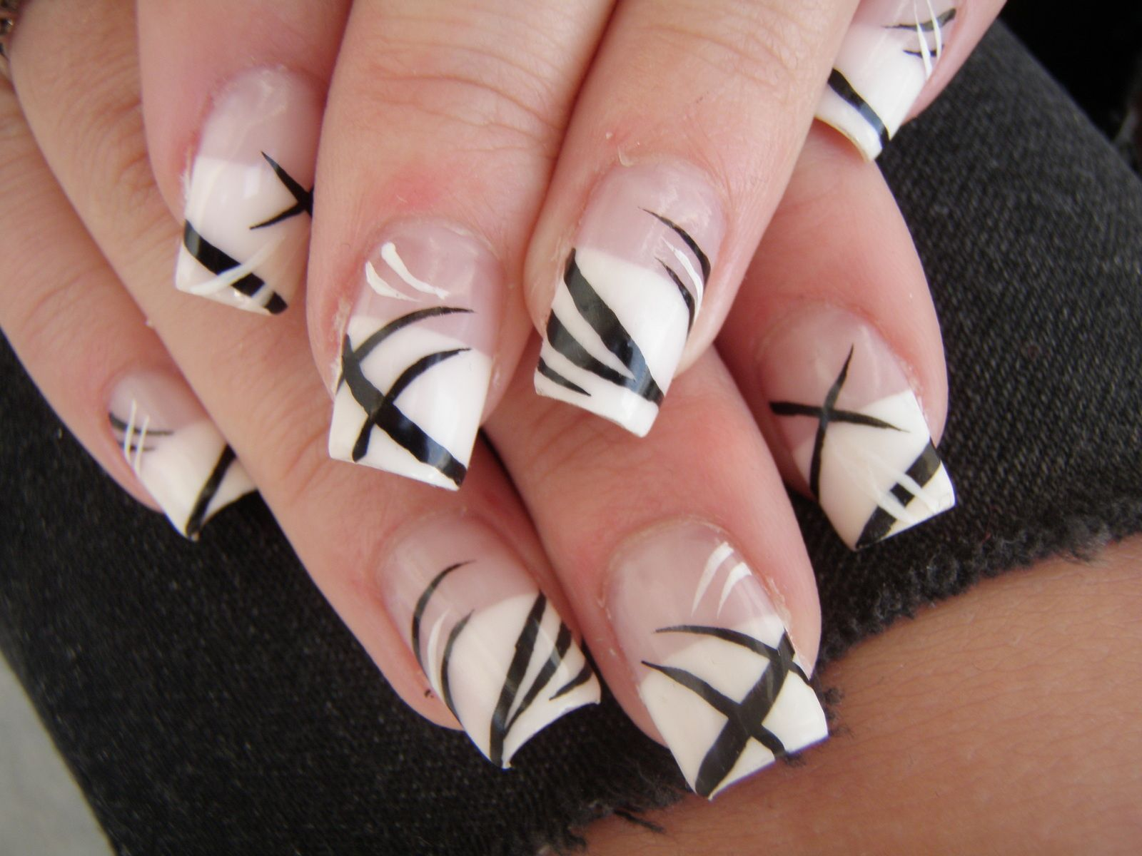 Remplissage gel french blanche et nail art