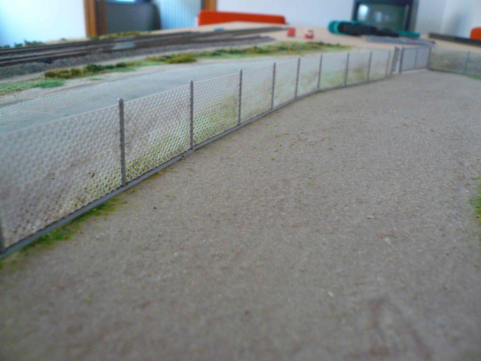 Réseau &quot&#x3B;Double voie&quot&#x3B; - Pose d'une clôture