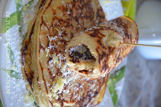 Sarah du blog http://lesucresale-doumsouhaib.com avec « Pancakes citron et noix de coco »