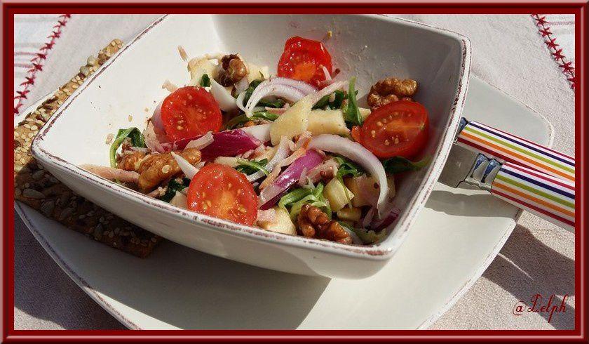 Salade de râpé de jambon, aux pommes et aux noix