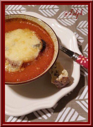 Soupe de tomates gratinée à la Fourme Persillée