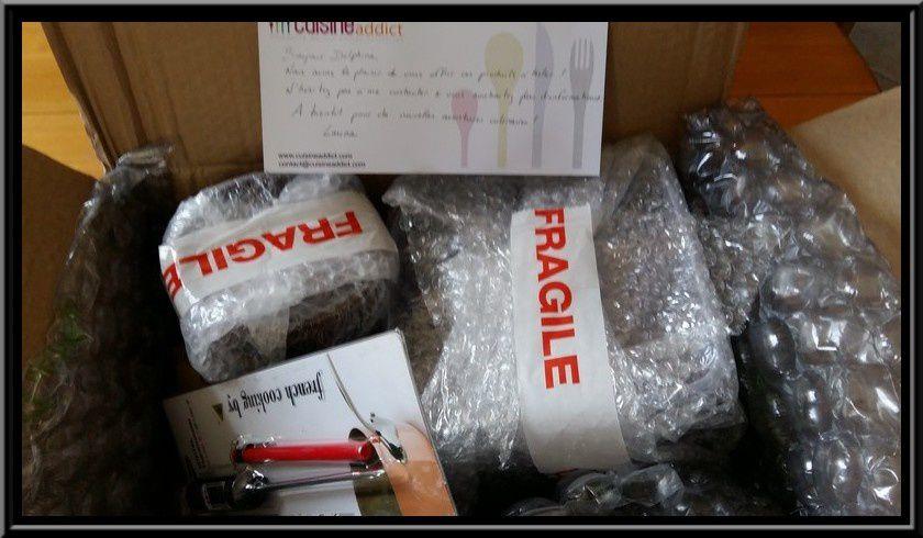 Colis reçu par Colissimo, avec des paquets très bien emballés individuellement avec des superpositions de papier à bulles.