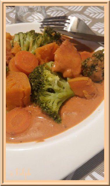 Poêlée de légumes en sauce tomates