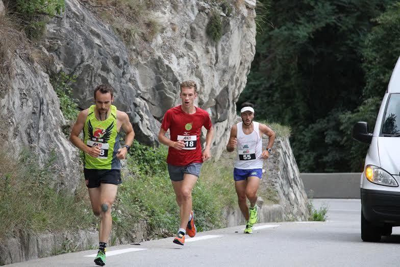 En rouge, Alexandre Jodidio avale 13,8 km avec 1'100 m D+ en 1h03'55''