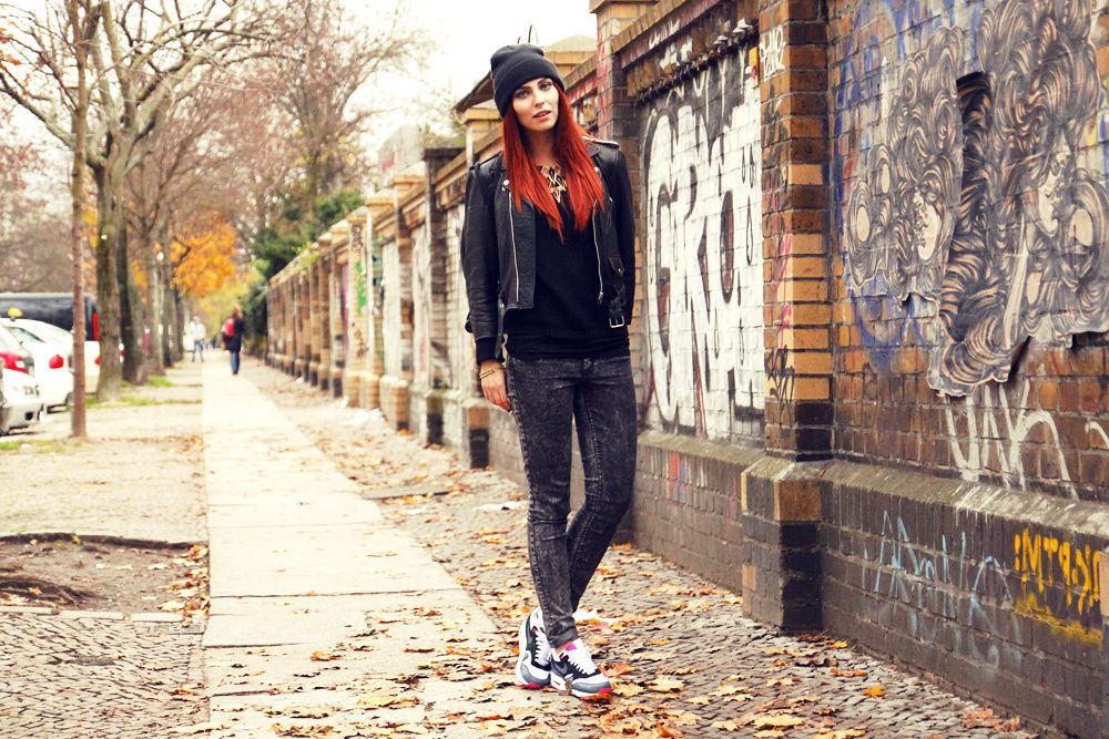 Outfit: Chicks in Kicks