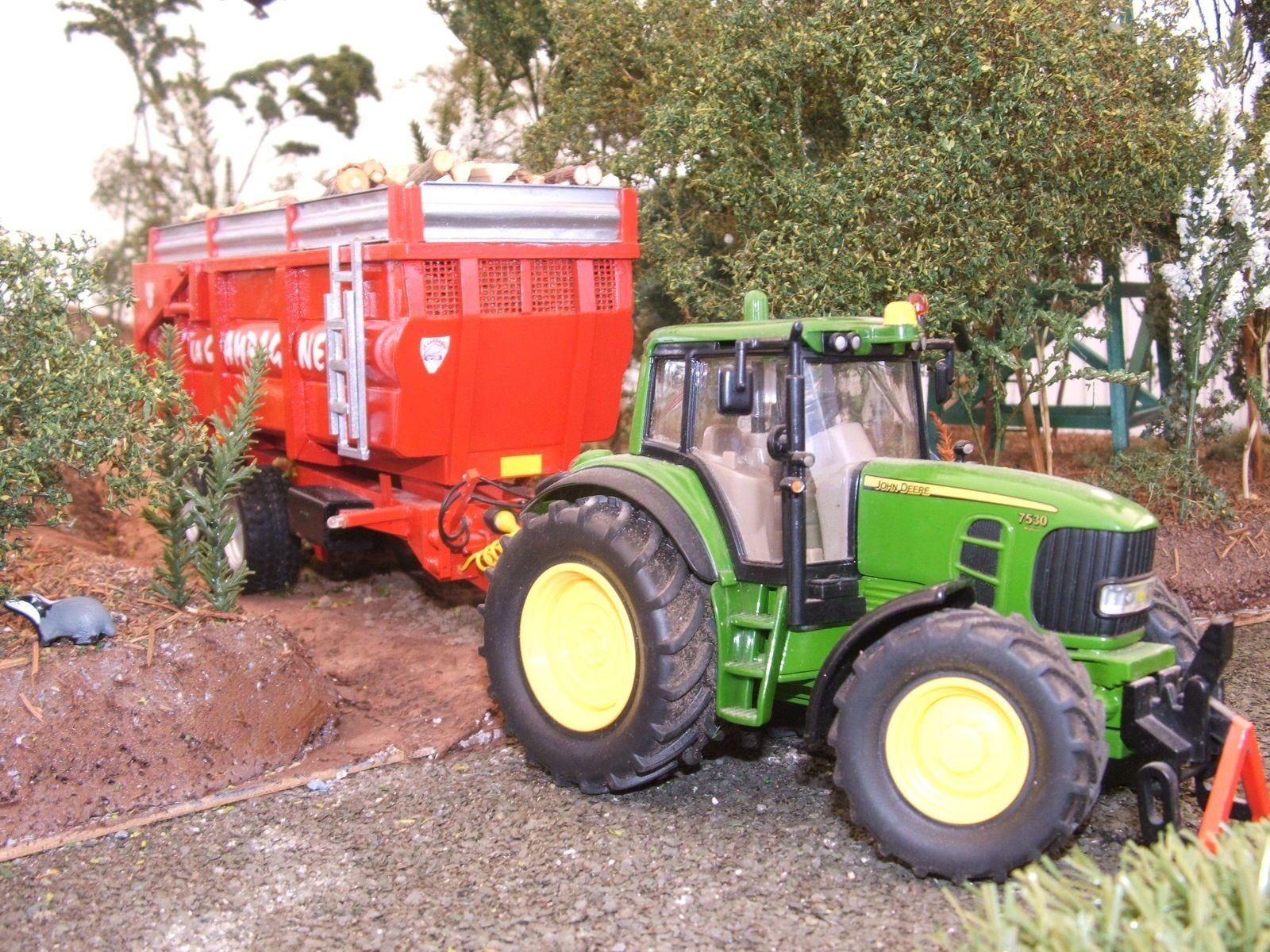 les tracteurs Renault,IH et Soméca étaient  à l'honneur