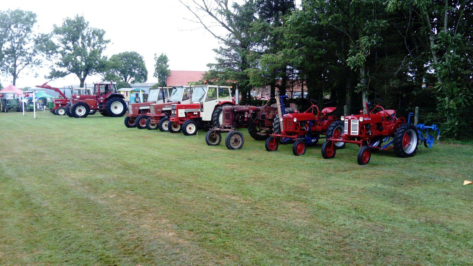 Les tracteurs rouges pas très représentés cette année, je suis un peu déçu.