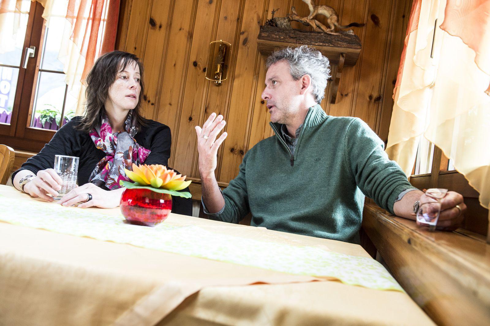 photo louis dasselborne: Noelle Revaz en companie de  l'écrivain Jérôme Meizoz